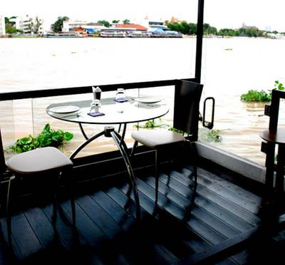 ร้านอาหาร Studio 9 Dining Theatre by The River