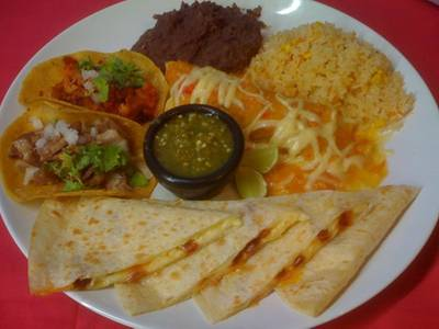 Mexican platter, for those that want to try different specialities and why not,    Tacos &amp; Salsa