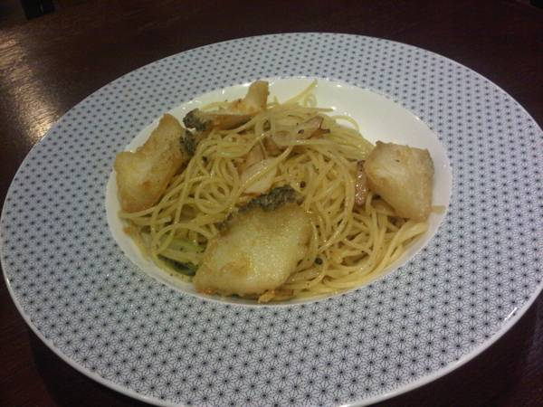Capellini oil snow fish 260   On the table tokyo caf Central World