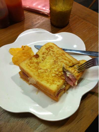 toast ham chees ที่ ร้านอาหาร Let's Sweet (Cafe & Pancake House)