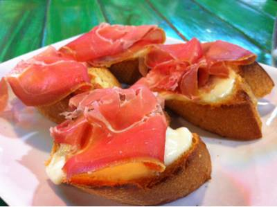 parma ham with pamersan cheese bread @ Crostini italian cuisine - Asiatique!!   Crostini Asiatiaque Asiatiaque