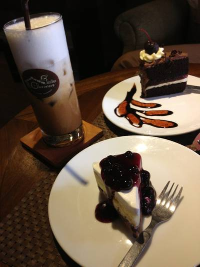 yummy afternoon &gt;&lt;   Charcao Bakery &amp; Restaurant