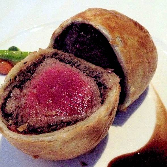 U.S Beef Wellington ที่ ร้านอาหาร The Bar & The Restaurant