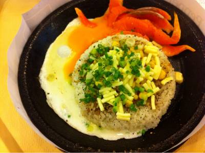 Salmon pepper rice add egg&cheese ที่ ร้านอาหาร Pepper Lunch Chamchuree Square