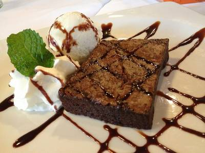 Brownie    Greyhound Cafe Avenue 