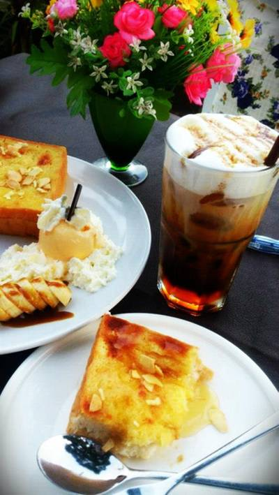 honey toast  ที่ ร้านอาหาร Ley Cafe' Coffee and Restaurant Pranburi