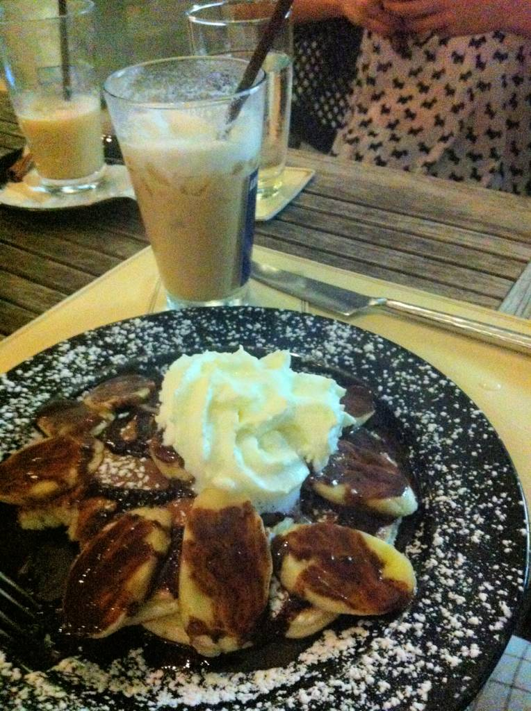 Choco And Banana Pancake  ที่ ร้านอาหาร Crepe & Co. Eight Thonglor