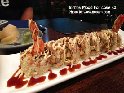 happy but guilty ที่ ร้านอาหาร In the Mood for Love: Sushi Bar & Bistro