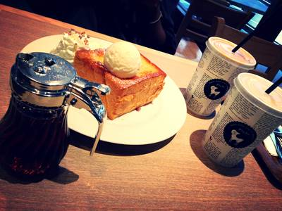 Shibuya Honey Toast & Horlic Latte & Thia Mill Tea ที่ ร้านอาหาร After You Dessert Cafe La Villa