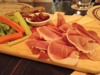 Spanish Platter ที่ ร้านอาหาร Wine Connection Deli & Bistro K-Village
