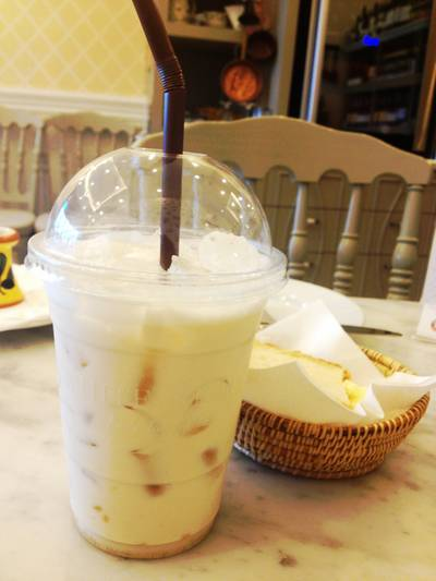 Iced Horlick Milk ที่ ร้านอาหาร White Story The Walk