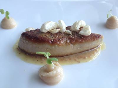 Pan Seared Foie Gras ที่ ร้านอาหาร Water Library Chamchuree Square