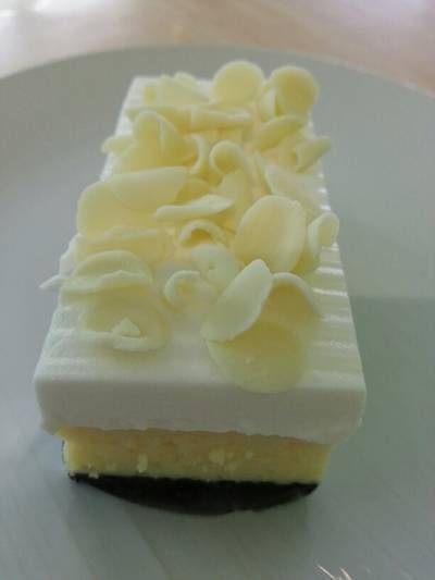 NEW!!! White Chocolate Chessecake  by Fresh&Taste {^_^} ที่ ร้านอาหาร Fresh & Taste